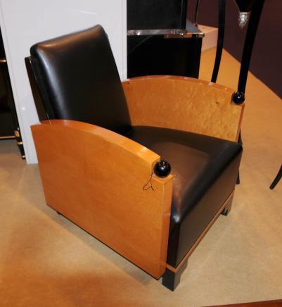Art Deco Nussbaum Clubsessel Biedermeier Sofa Sitzmöbel der 1920er Jahre
