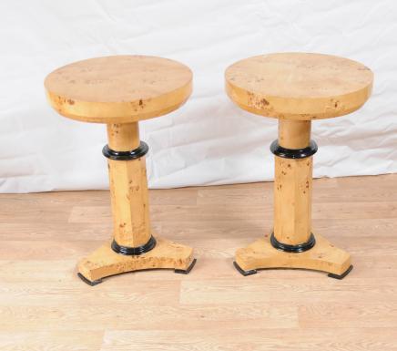Art Deco Paar Beistelltische Cocktail-Tisch Blonde Walnuss-Möbel