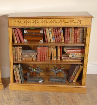 Einzelsatinwood Sheraton Inlay Offene Bücherschrank Regency Bücherschränke