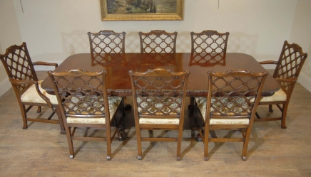 Englisch Chippendale Mahagoni Tabelle & Gothic Chair Dining Set