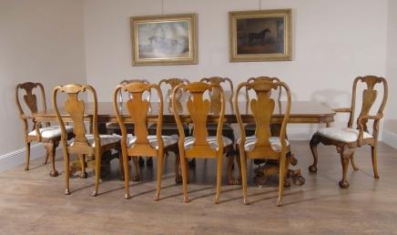 Englisch georgischen Walnut Dining Table & 10 Queen Anne Stühle