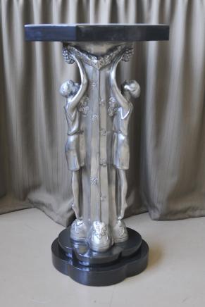 Französisch Art Deco Bronze Figur Beistelltisch Marmorplatte