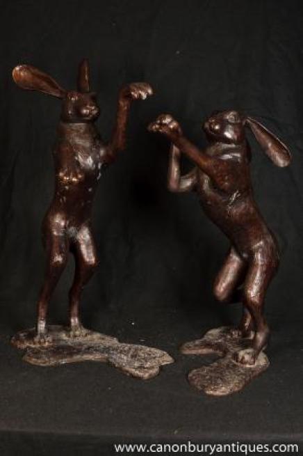 Große Pair Bronze Tanzen Hasen Hase-Kaninchen-Statue Paarungsritual