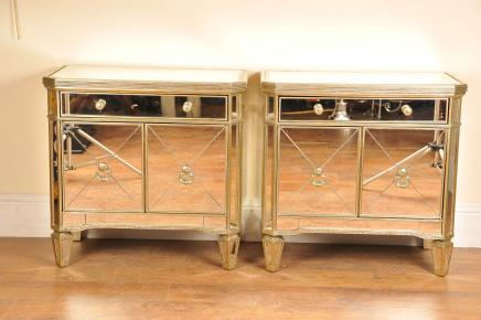 Mirrored Pair Night-Stands Nachttische Deco