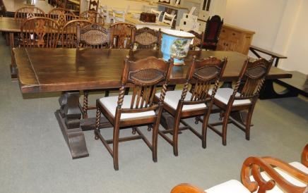 Norfolk Meade Refektorium Tabelle Set Barley Twist Küche Esszimmerstühle