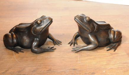 Paar Englisch Bronze Frösche Kröten Statue Casting