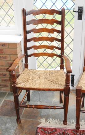 Paar Englisch Ladder Eiche Country Stühle Ladder Zurück