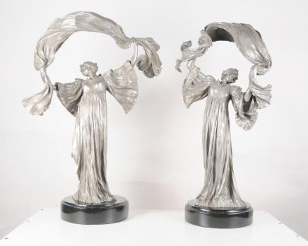 Paar Jugendstil Bronze Tischleuchten Figurine von Loie Fuller