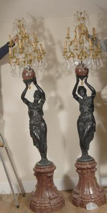 Pair 9ft Italienisch weiblich Mohr Kerzenleuchter torcheres