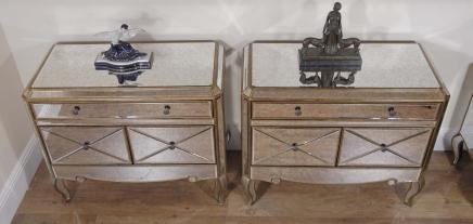 Pair Funky Art Deco Gespiegelte Nacht Brust Schubladen Tabellen