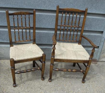 Pair Oak Spindleback Küchenstühle Country Farmhouse