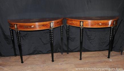 Pair Regency Sheraton Demi Lune Console Tables Painted Eigenschaften