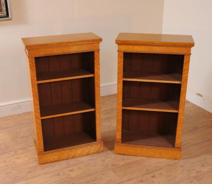 Pair viktorianischen Maple Offene Bücherregal Zwerg