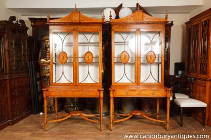 Satinwood Paar Regency Vitrinen Bücherregale Sheraton Möbel
