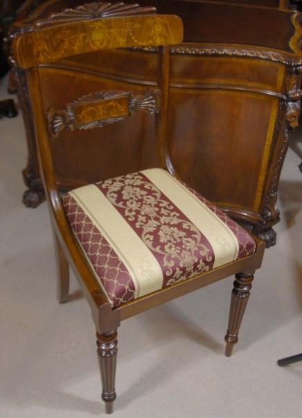 Set 12 englischen Regency Nussbaum Inlay Esszimmerstühle