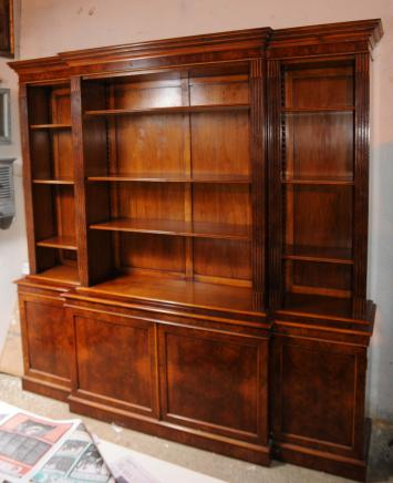 Walnut Regency Breakfront Bücherregal Book Case XL Möbel