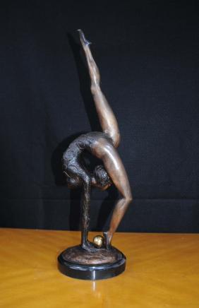 Bronze Art Deco Figurine Kugelballetttänzer Statue Gymnast
