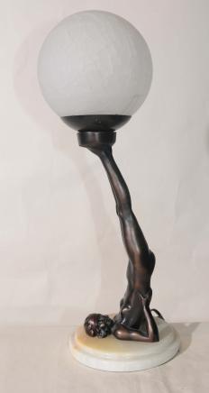 Französisch Art Deco Zinn Ball Girl Figurine Lampe