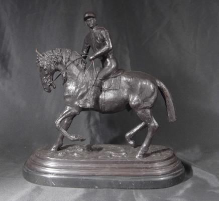 bronzepferd mit hund mene