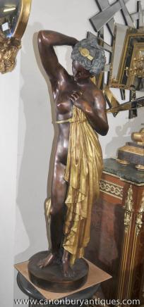 Große Französisch Bronze halb Akt Maiden Statue von Pradiert