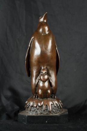 Kaiser-Pinguin-Küken Bronze Pinguine Vögel