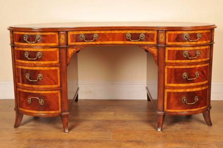Mahagoni-Schreibtisch Nieren Regency Schreibtisch