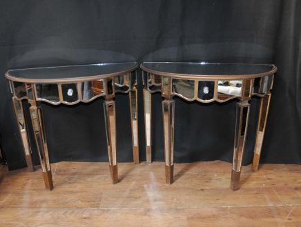 Paar Spiegel-Konsole Tabellen Spiegelsaal Tische Deco Möbel