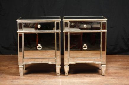 Paar Spiegel Nachtschränke Kommoden Nachttische Borghese