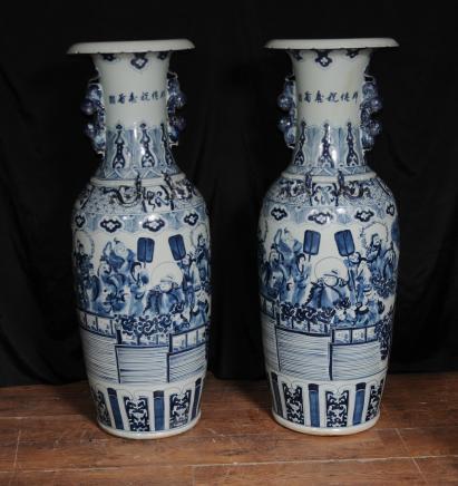Paar großen chinesischen Nanking Porzellan Urnen Vasen Keramik China