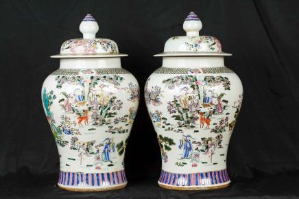 Paar japanische Kutani Porzellan Ingwer-Gläser Vasen Urnen Schmuckstück
