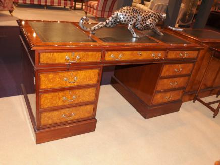 Regency Pedestal Desk Walnut Schreibtische Büromöbel