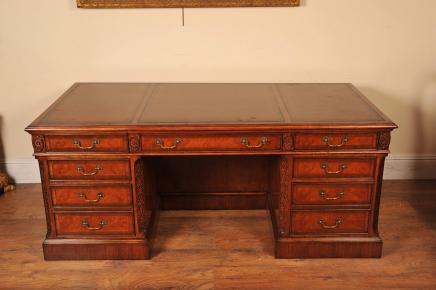 Nussbaum schreibtisch canonbury antiquit ten london for Schreibtisch auf englisch