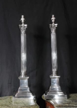 Regency Silber Kennzeichenleuchte Lichter Bases korinthischen Säulen