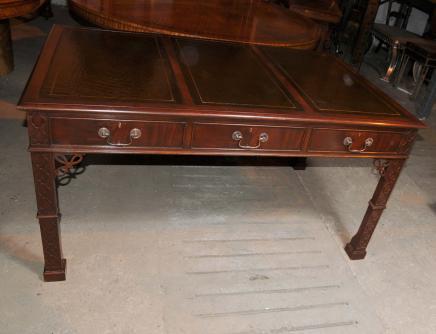 Victorian Gothic Chippendale Schreibtisch Schreibtisch Mahagoni-Möbel