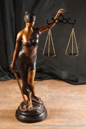 XL Französisch Bronzestatue Lady Justice Scales Figur Snake