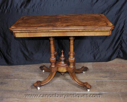 Antike viktorianische Kartenspiele Tabelle in Walnut Beistelltische