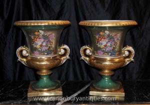 Französisch Sevres Porcelain Floral Campana Urnen Ters