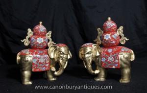 Pair Chinesisches Porzellan Famille Rose Elefanten Elefantenstatue