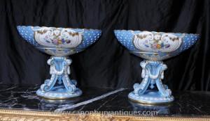 Paar Französisch Sevres Porzellan Urnen Suppenschüssel Bowls auf Stände