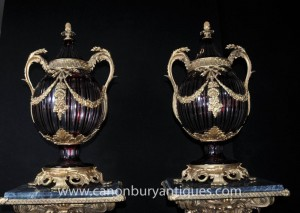 Pair Französisch Reich Glasschliff Bulbous Urnen Vasen