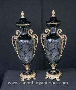 Pair Kristallglas Urnen Louis XV Ormolu Amphora Urne