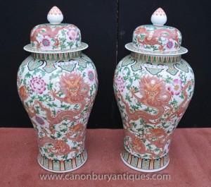 Pair Large Chinese Ming Porzellan Deckelvasen Urnen Ingwer-Gläser