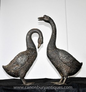 Pair Lebensgroße Bronze Geese Gans Vögel Statue