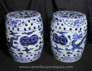 Pair chinesischen Ming blau und weiß Porzellan Garten Sitzplätze Hocker Urnen