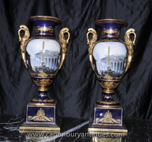 Pair deutschen Dresden Porzellan Amphora Urnen Klassische Urne