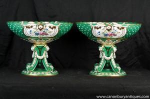 Pair deutschen Dresden Porzellan Urnen Terrinen Bowls auf Ständer