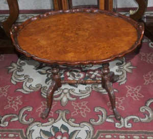 Victorian Oval Tray Table Walnut Beistelltische
