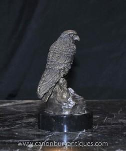 Englisch Bronze Kestrel Hawk Staue Raubvogel Casting