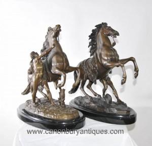 Paar Französisch Bronze Marly Pferde Male Figurine Statue von Coustou Guillaume