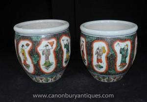 Pair chinesische Famille Noire Pflanztöpfe Keramik Urnen Painted Figurine